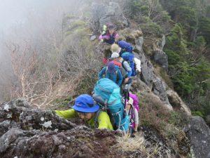 女峰山への登り