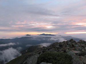 IMG_2287夜明け前の悪沢岳山頂から